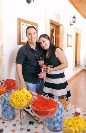30042017 EN PAREJA.  Carlos y Lorena.