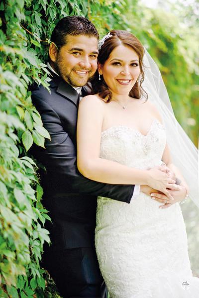 28052017 Héctor Iván Castellanos Díaz y Marisol García Santelices unieron sus vidas en matrimonio el pasado 20 de mayo. - Edmundo Isais Fotografía.