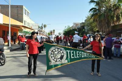 Participaron decenas de trabajadores del Sindicato de Telefonistas y jubilados e integrantes de la Coordinadora Nacional de Trabajadores de la Educación (CNTE).