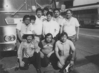 30042017 José Luis Tagle, Román Valadez, Marcelo Fernández, Feliciano Soto Reyes, Canuto López, Asunción Saucedo, Eduardo Ruiz, Alberto Vargas Sifuentes y otras personas en un viaje en Guadalajara, Jalisco, en 1983.