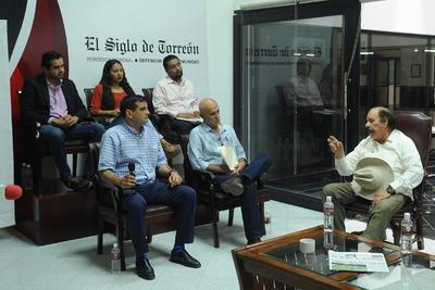 La primera ronda consistió en preguntas de los invitados, a las que respondió el candidato a la gubernatura de Coahuila.