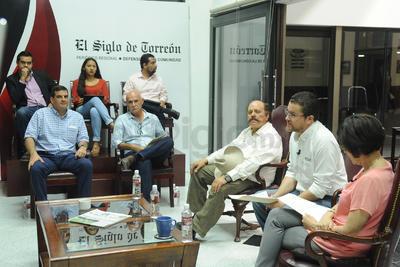 El evento estuvo moderado por Arturo González y Marcela Pámanes; al igual que en jornadas pasadas, estuvo presente un grupo de invitados seleccionado por el Consejo de Encuentro Siglo.