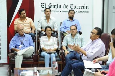 """Concluyó la IV Edición de Encuentro Siglo. Hacemos Comunidad que se ha titulado """"Candidatos responden, Coahuila decide""""."""