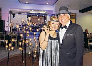 04052017 EN PAREJA.  Rafael con su esposa, Laura.