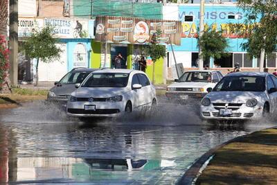 La falla provocó, durante las primeras horas del día, embotellamientos en los bulevares Politécnico, Circuito Interior y carretera a Mezquital.