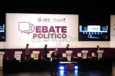 El segundo debate de los candidatos para la gubernatura de Coahuila en Torreón se llevó a cabo en las instalaciones del Teatro Nazas, donde fueron cuestionados en cuatro ejes centrales.