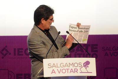 El candidato del PT, José Ángel Pérez, inició su intervención al comentar que 'desclasificará los archivos de la deuda estatal y transparentará totalmente las finanzas de Coahuila'.