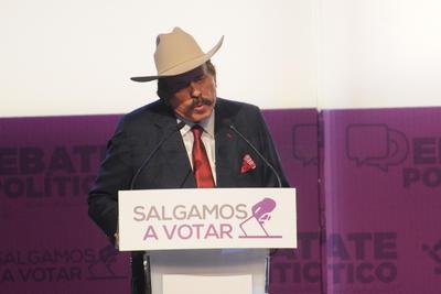Armando Guadiana, candidato de Morena, 'apoyará incubadoras que serán llevadas dentro de las universidades del estado, para que los estudiantes promuevan empleo'.