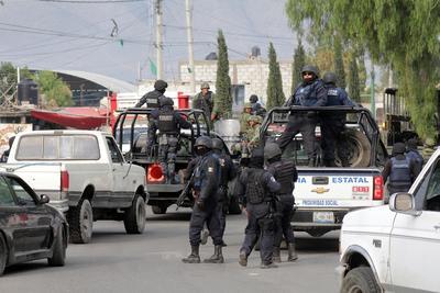 Tras los enfrentamientos, al menos 50 pobladores bloquearon durante casi 6 horas, los dos sentidos de la Autopista Puebla-Orizaba, a la altura del kilómetro 185.
