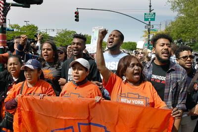 Los manifestantes aprovecharon de la primera visita de Trump a Nueva York desde que asumió la presidencia.para expresar su inconformidad.