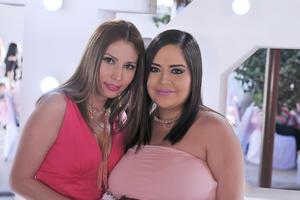 05052017 MUY GUAPAS.  Mariana y Laura.