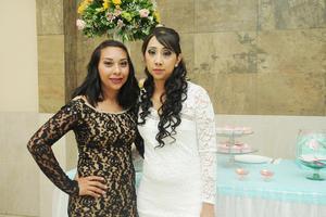 06052017 SE DESPIDE DE SU SOLTERíA.  Jenny González Puebla con su hermana, Claudia Vázquez.