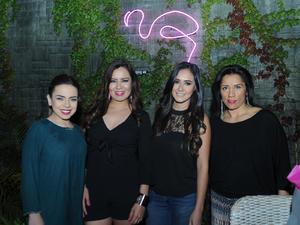 06052017 ENTRE AMIGAS.  Victoria, Isabella y María Esther con Evamary en su fiesta de cumpleaños.
