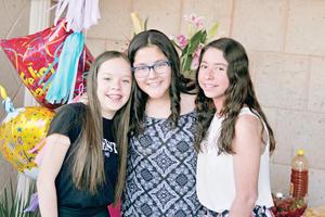 08052017 FIESTA DE CUMPLEAñOS.  Marian, Marifer y Ale.