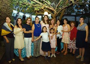 07052017 SERá MAMá EN JUNIO.  Montserrat Bermúdez de Saucedo en el baby shower que le organizó Helen Martínez con motivo del nacimiento de su segundo bebé, al que bautizará con el nombre de Enrique.