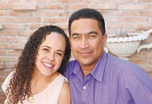 08052017 EN RECIENTE EVENTO.  Ana Gaby y Ricardo.