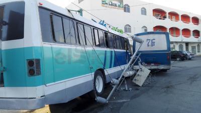 El choque ocurrió en Santiago Lavín y Allende del sector Centro de Gómez Palacio.
