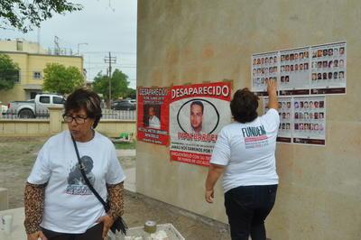 """""""No hay nada que celebrar, es otro año más yéndonos a gritar, a exigir que nuestros hijos no están y con un dolor también inmenso por los hijos que sí están y tenemos que privar de esa presencia de nosotros y de exigir, pero hijos solidarios que también sienten el dolor de nosotros como madres y están ahí apoyándonos"""", dijo María Elena Salazar, miembro de Fuundec, cuyo hijo Hugo Macerlino, desapareció el 20 de julio de 2009."""