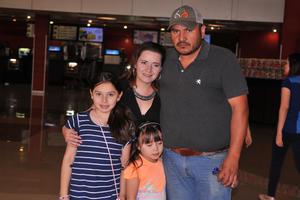 09052017 Marielena, Rosbel, Ross y Marijo.