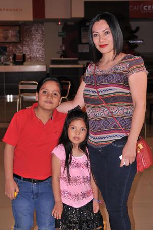 09052017 Jorge Adrián, María Fernanda y María Fernanda.