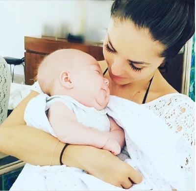 La cantante y actriz Anahí disfrutará este miércoles a lado de su pequeño Manuel, quien nació el pasado 17 de enero. La cantante ha mostrado en redes sociales su etapa en la maternidad.
