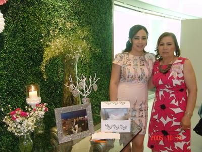 11052017 Argelia Martínez y Martha Patricia Mar de Martínez.