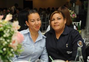 11052017 Marisol y Mary Paz.