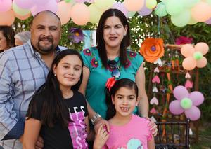 11052017 Aarón, Adriana, Valeria y María José.