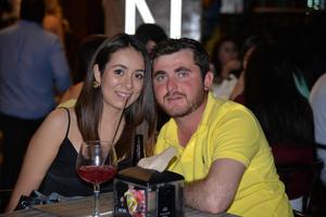 12052017 DE PASEO.  Andrea y Roberto.
