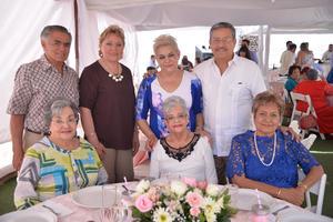 Arturo, Maricruz, Carmen, Chuy, Maya y Macarena