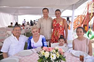 Chuy, Mara, Carmen, Inés, Tory y María Fernanda