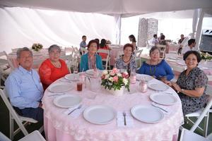 Jesús, Victoria, Yolanda, Elsa, Lenchita y Elba