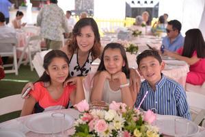 Nancy, Ximena, Mariana y Rodrigo