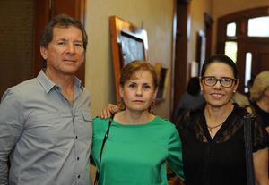 Eduardo, María Eugenia y Silvia