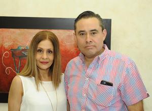 Estela Orozco de Juárez y Luciano Juárez