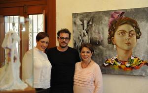 Maritza Cervantes con sus hijos, Anace y Alonso Maldonado Cervantes