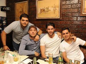 Eduardo, Fernando, Willy y Fernando