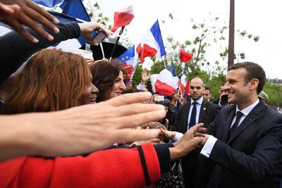 Macron, elegido en las presidenciales del pasado domingo, tomó hoy posesión del cargo en sustitución de François Hollande.