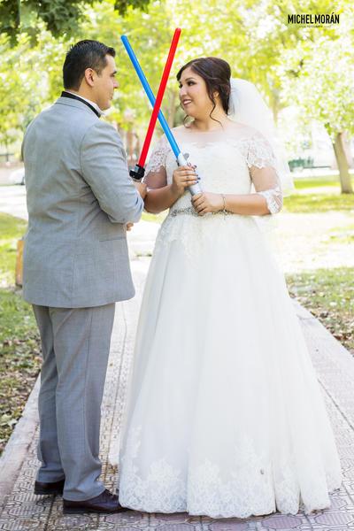 14052017 Martín Eduardo Álvarez Astorga contrajo matrimonio con Violeta Abigaíl Zugasti Reyes.