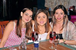 14052017 Mónica, Julieta y Claudia.