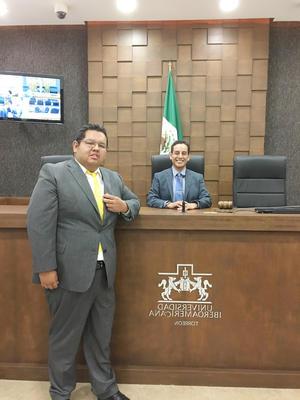 14052017 Por segundo año consecutivo, el Mtro. en Administración, Luis Fernando Hernández Rivera, participó como encargado de sala, en compañía del Mtro. en Derecho, Héctor Guillermo de la Cruz Cortez, y estudiantes de la Licenciatura en Derecho en la Sala de juicios orales de la Universidad Iberoamericana.