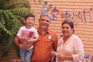 14052017 FELICES.  Gustavo, Jaime René y María del Pilar.