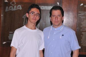 16052017 EN EL TEATRO.  Juan Antonio y Luis Antonio.