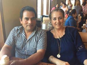 17052017 Profesor José y Miss Roselina.