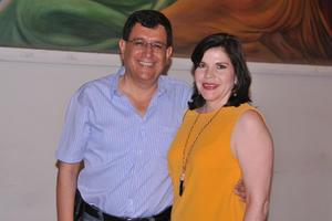 17052017 EN EL TEATRO.  Jorge y Lucía.