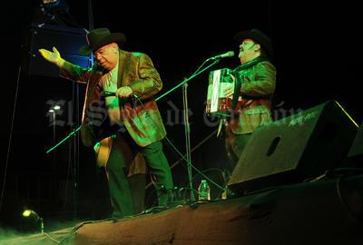 Luego de casi dos horas de música y con 54 años de carrera artística, Ramón Ayala se despidió de los laguneros no sin antes prometer volver pronto.