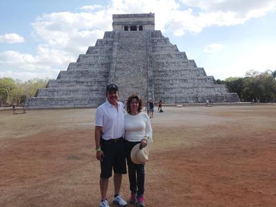 18052017 Gerardo y Carmen en Chichén Itzá.