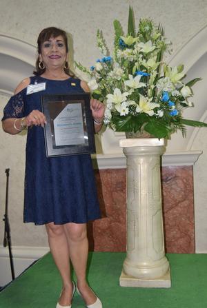 18052017 Livia Yolanda Valtierrez cumplió 40 años de servicio.