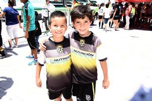 18052017 FELICES.  Gael y Javier.