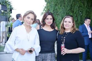 19052017 EN UN OPEN HOUSE.  Liliana, Rosy y Yolanda.